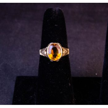 9k yellow gold oval yellow citrine ring. Size M. Price includes nationwide delivery