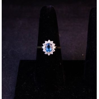 9k yellow gold blue topaz cluster ring. Size Q. Price includes nationwide delivery.