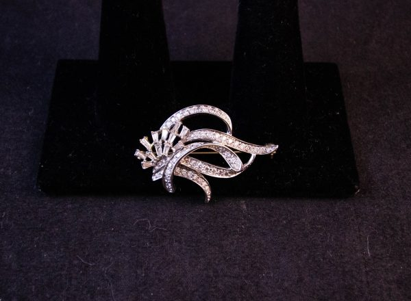 18k white gold diamond brooch. Total diamond content 1.35ct. Price includes nationwide delivery