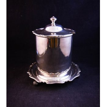 Silver plated marmalade pot with scroll foot and lid. No insert. Measures 15cm wide x 16cm high. Price includes nationwide delivery