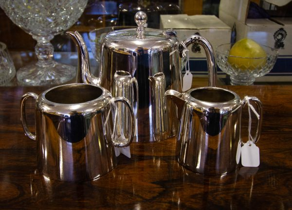 Three piece hotelware silver plated tea set. 1.5 pint tea pot, milk jug and sugar bowl. Price includes nationwide delivery.
